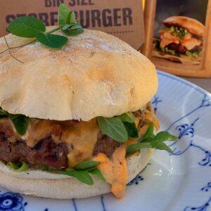Superdressing på hamburger